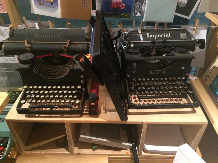 Typewriters2