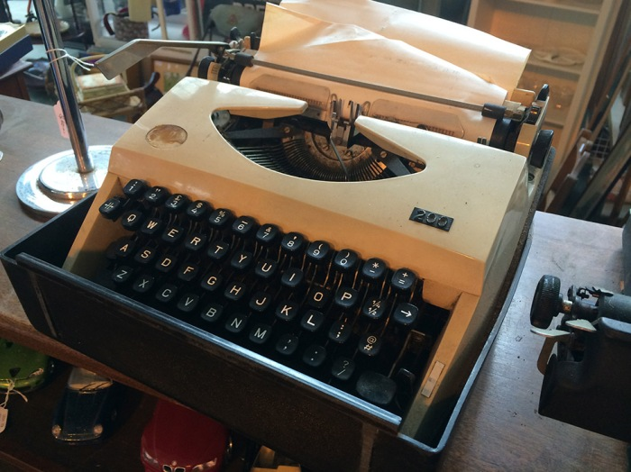 A Pinnock 200 typewriter with a missing badge. $90