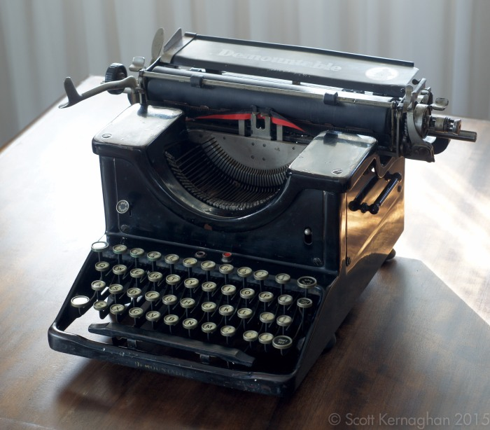 The Demountable No.2 typewriter in all its glory.